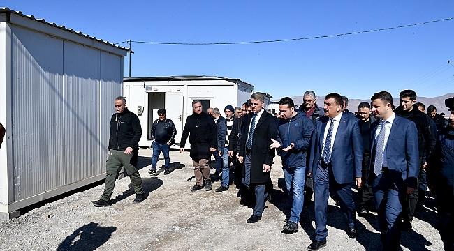 Başkan Gürkan ve Vali Aydın Baruş Kale'de İncelemelerde Bulundu