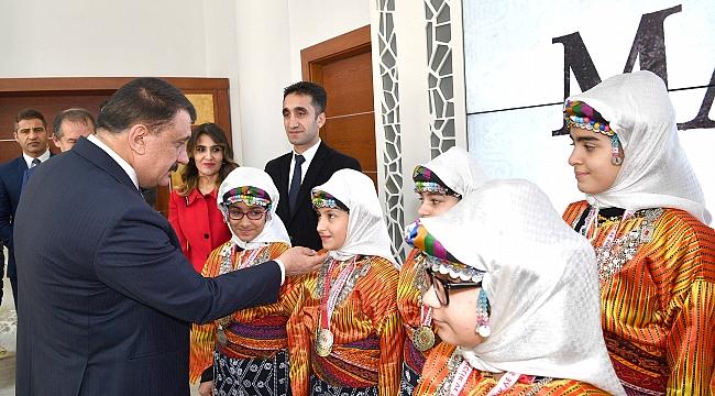 Birincisi Olan Halkoyunlarında İl Ekip Başkan Gürkan'ı Ziyaret Etti
