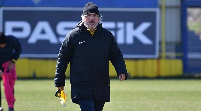 Mustafa Reşit Akçay'dan TFF'ye çağrı: Süper Lig 21 ya da 22 takımla devam etsin!