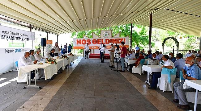 'MECLİS ÜYELERİ VE MUHTARLARLA İSTİŞARE' TOPLANTISI DÜZENLEDİ
