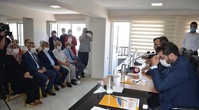 Bakan'dan AK Parti'ye ziyaret
