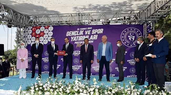 Gençlik ve Spor Bakanı Dr. Mehmet Kasapoğlu Malatya'da