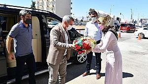 Başkan Çınar'ı Duygulandıran Karşılama