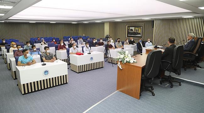 Battalgazi Belediye Başkanı GÜDER, Ak Parti Battalgazi Gençlik Kollarını Ağırladı