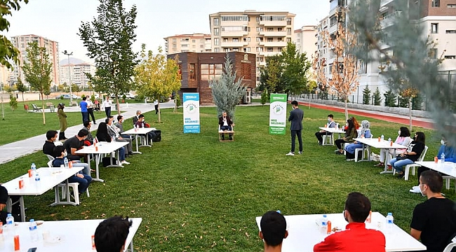 Yeşilyurt Belediye Başkanı Çınar Gençlerle Biraraya Geldi