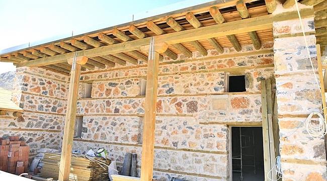 Yeşilyurt Belediyesi, Aşağıköy'deki 350 Yıllık Tarihi Camiyi Restore Etti