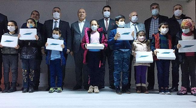 Malatya'da uzaktan eğitime tablet desteği