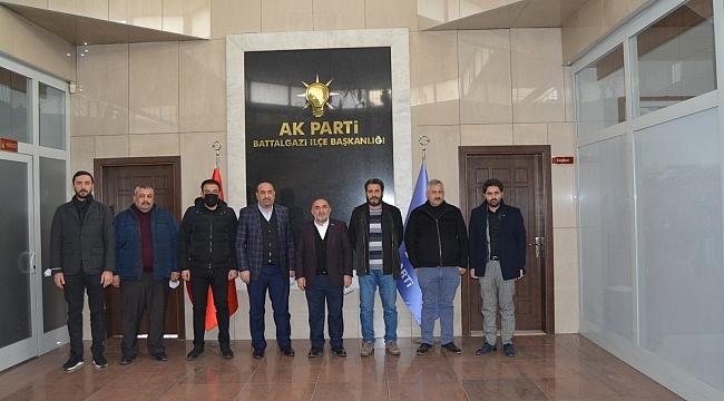 MÜSİAD'TAN AKP BATTALGAZİ İLÇE BAŞKANI KAHVECİ'YE ZİYARET