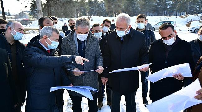 Yeşilyurt Belediyesi yapılan ve devam eden projeleri tanıttı