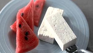 Sıcak havaların vazgeçilmezi: Karpuz- Peynir