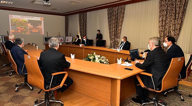 Kore Büyükelçisi Won Ik LEE'ye Kayısının Tanıtımı Yapıldı
