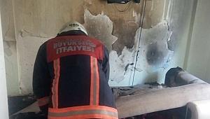 Evde çıkan yangın maddi hasara neden oldu
