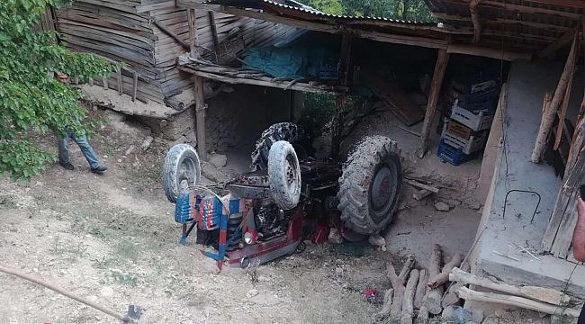 Şarampole yuvarlanan traktörün sürücüsü ağır yaralandı